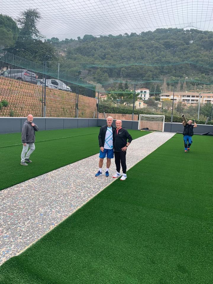 Didier Deschamps et son ami Michel Borfiga sur le nouveau terrain de Calcetto !