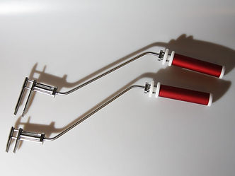 tongs-for-vial-angled-models-800x600-px.