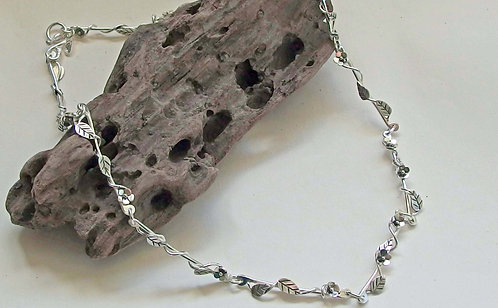 Flowers in the Bush necklace