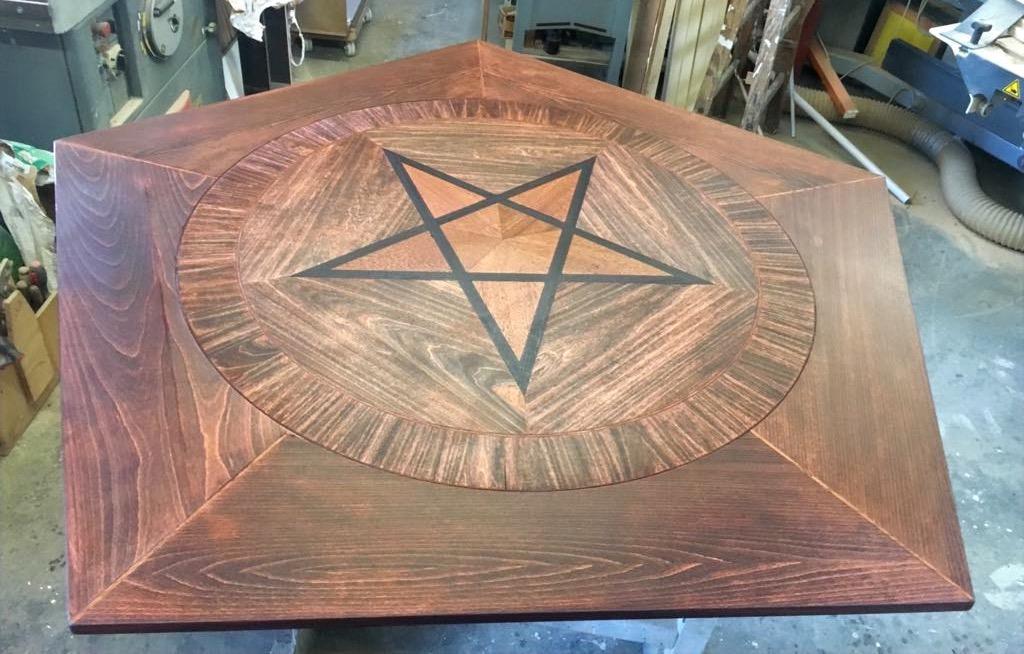 Séance-Tisch