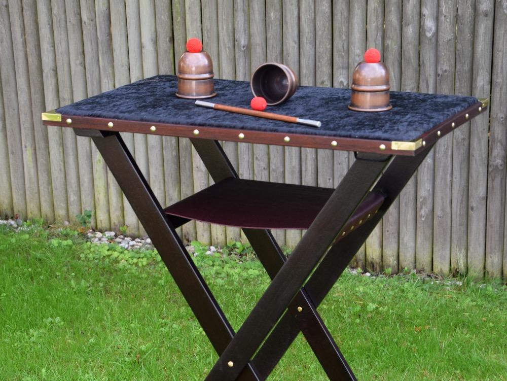 Gaukler-Tisch