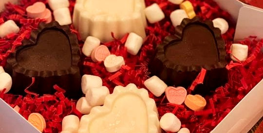 LACE HEART HOT CHOCOLATE BOMB BOX OF FOUR(VARIETY FLAVOR)