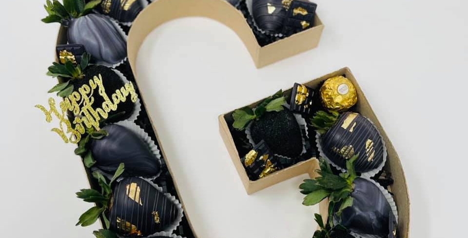 LARGE LETTER/NUMBER BOX - CHOCOLATE STRAWBERRIES
