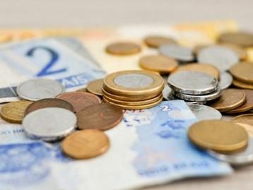 Renda média cai abaixo de R$ 1 mil pela 1ª vez em 10 anos