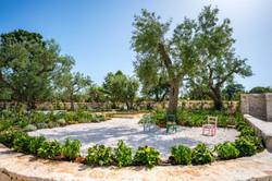 giardino esterno trulli