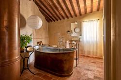 suite vicario bathroom