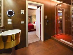 suite executive bathroom