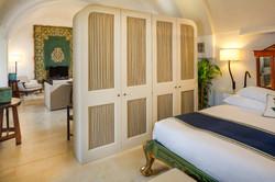 open-space-suite-bedroom