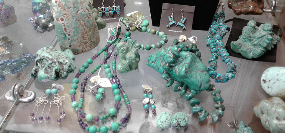 turquoise (jewelry, polished nuggets, carvings)