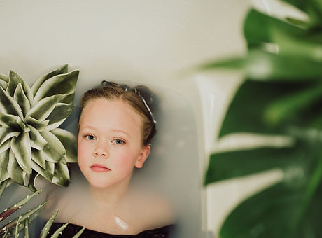 Abigail ART Milk Bath Luka Anderson 2020