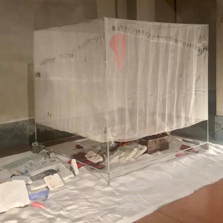 INSTALLAZIONE DI MEDHAT SHAFIK IN SAN FRANCESCO A COMO PER LA XXVIII EDIZIONE DI MINIARTEXTIL
