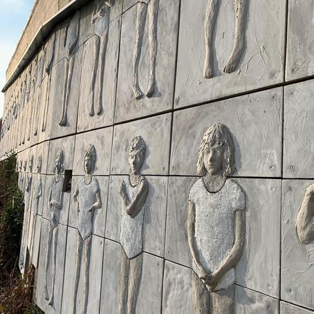 INAUGURATA LA SCULTURA MONUMENTALE DI VALERIO BERRUTI A MONTICELLO D'ALBA