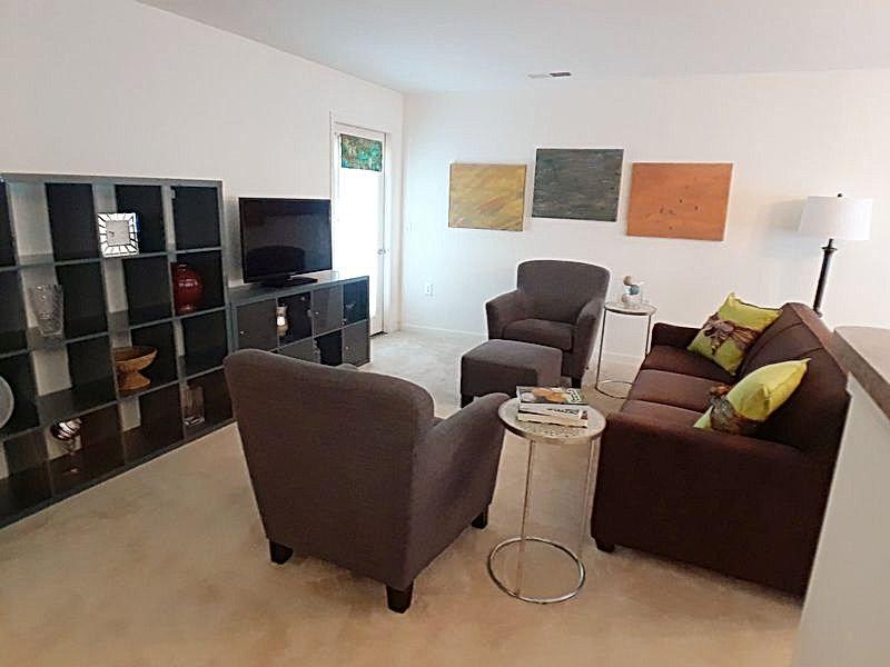 Living Room.3.2.jpg