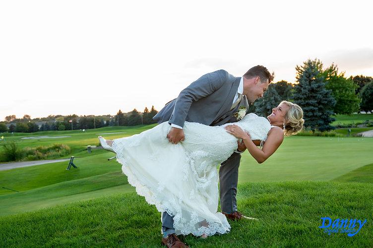 Wedding vidoegrapher