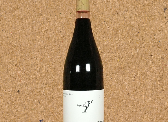 Early Mountain Vineyards, Young Wine Red