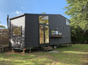 Hilltop tiny house Airbnb.png