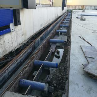 Подготовка ливневки к залики бетона.