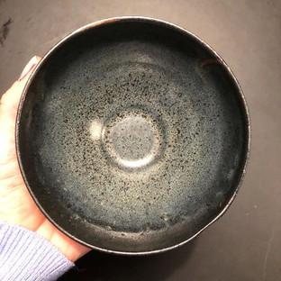 Dubbelglaserad skål, glaserad i svart oc