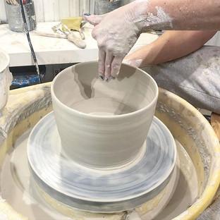 Drejning av kruka. 2,3 kg #keramik #cera