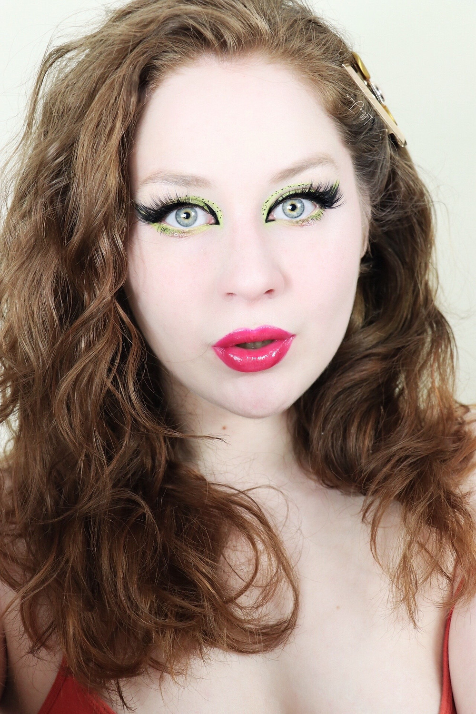 LA Girl Pastel Dream GREEN & Black Eyeliner 2021 | Lillee Jean