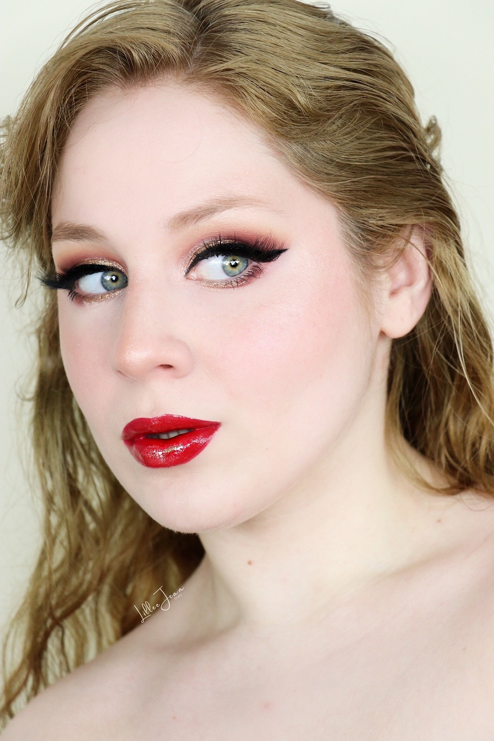 Holiday Golden Glittery Glam Makeup Tutorial 2020   Lillee Jean