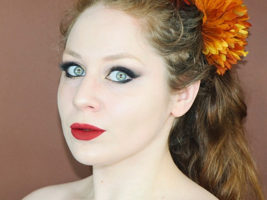 Anastasia Beverly Hills Soft Glam Holiday Makeup Tutorial RED LIPS | Lillee Jean