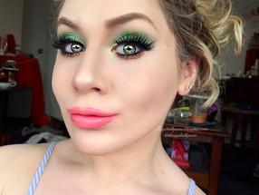 Saint Patricks Day Pot O' Gold Glittery Green Makeup Tutorial