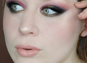 Too Faced Gingerbread Palette Red and Green Holiday Makeup Tutorial | Lillee Jean
