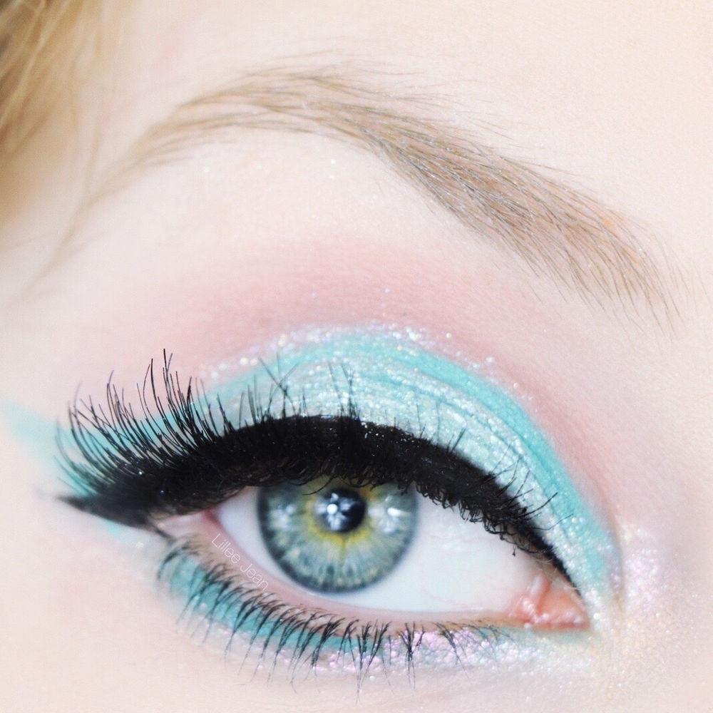 Huda Beauty Mercury Retrograde Neon Teal Makeup Tutorial ...