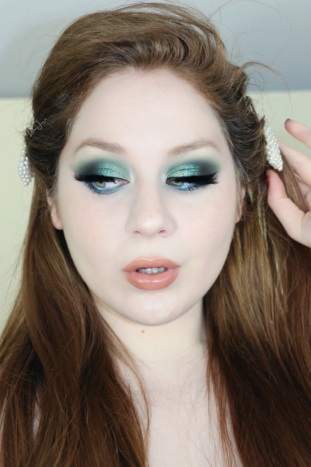 GRWM Makeup Revolution Chilled GLITTERY Teal Smokey Makeup (INVISALIGN) Tutorial 2021 | Lillee Jean