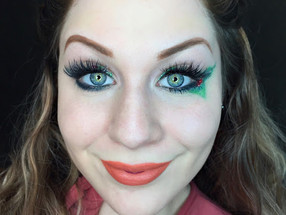 Holiday Series: Glittery Winter Citrus Wreath With Mistletoe Detail Makeup Tutorial