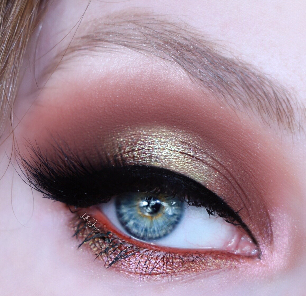 Olive Green Autumn Makeup   Nyx Ultimate Utopia HALO EYE 2021   Lillee Jean