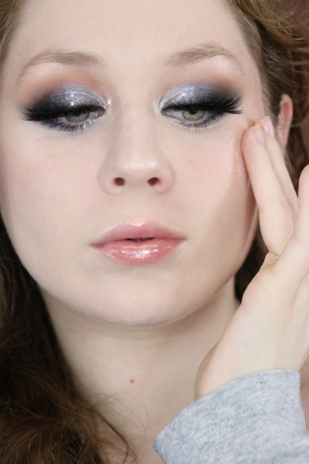 New Years Glittery Blue Silver Makeup Tutorial 2019 | Lillee Jean