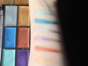 Wet N' Wild Beauty Fantasy Makers Paint Palette Review + Swatches (Metallics, Brights)