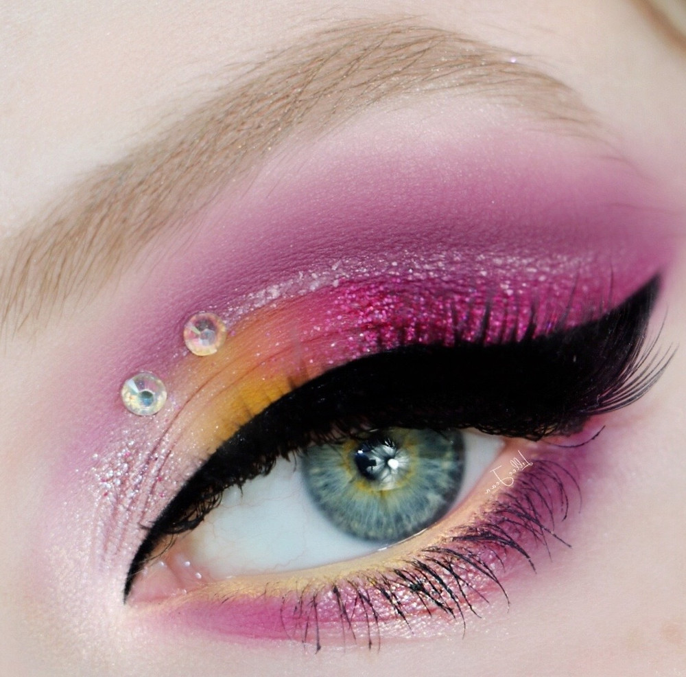 Purple and Yellow Eyeshadow|Makeup Revolution Birds of Paradise Tutorial 2021 | Lillee Jean