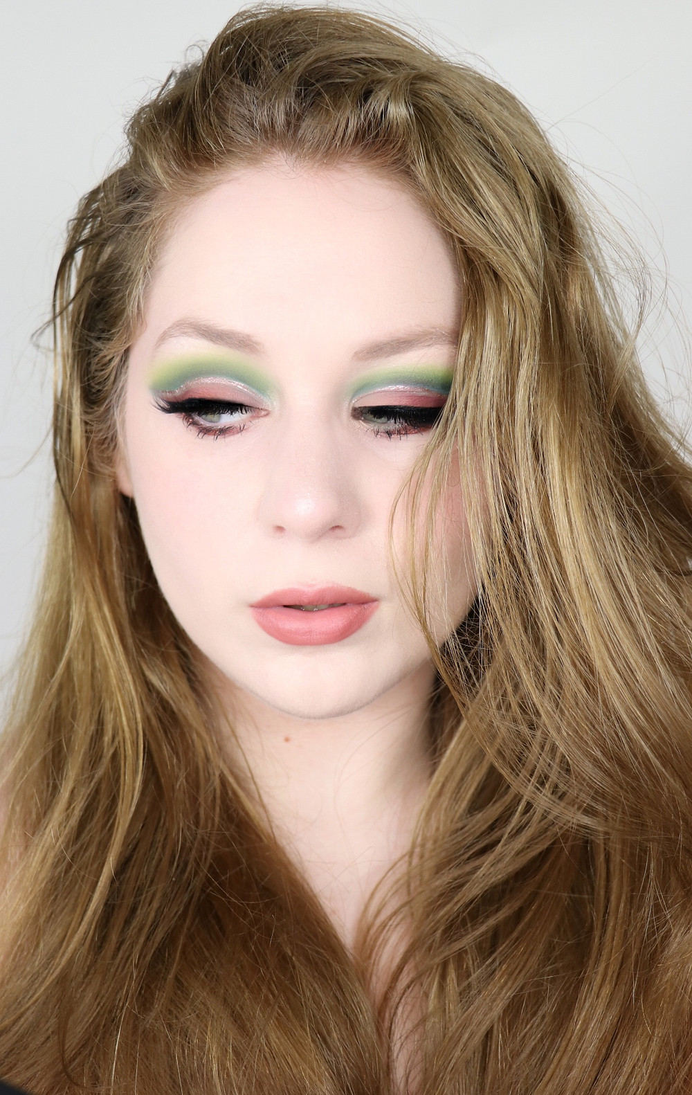 KARITY Come As You Are GREEN and PINK Fall Cut Crease Makeup TUTORIAL 2020   Lillee Jean