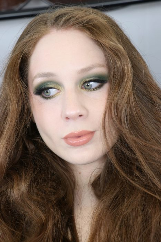 St. Patricks Day Green Glitter Makeup Tutorial 2020 | Lillee Jean