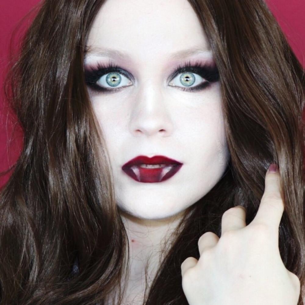 Hot Vampire Hallowen Makeup Tutorial 2019 | Lillee Jean
