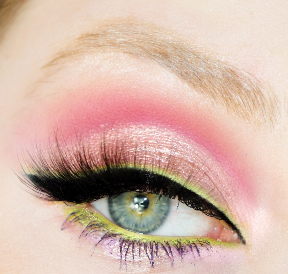 Lillee Jean Eye Pink and Green Liner L.A. Girl Desert Dream Spring Pink and Green Eyeliner Makeup Tutorial 2021 | Lillee Jean