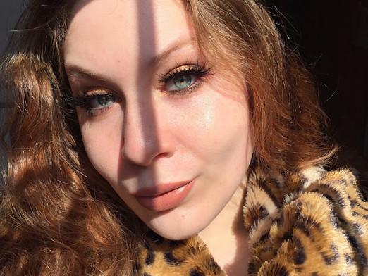 Golden Smoke Makeup Look