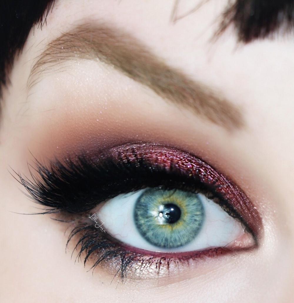 Purple smokey eye with blue green eyes by Lillee Jean