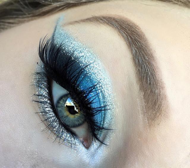 PowerPuff Girls: Bubbles Dramatic Glittery Blue Cut Crease Makeup Tutorial 2016   Lillee Jean
