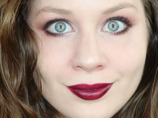 Deep Red Lips Smudged Eyeliner Autumn Makeup Tutorial