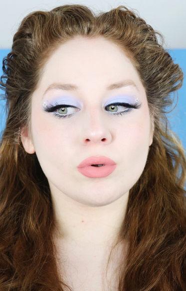 Lillee Jean Pastel Blue Daisy