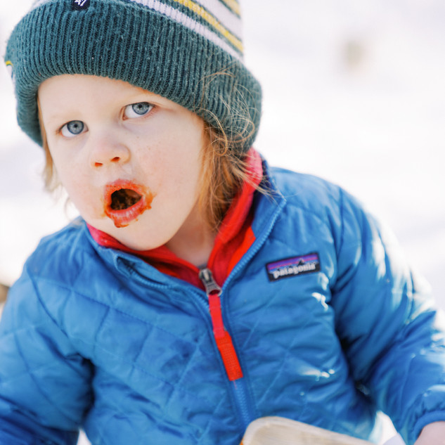 A kid eating