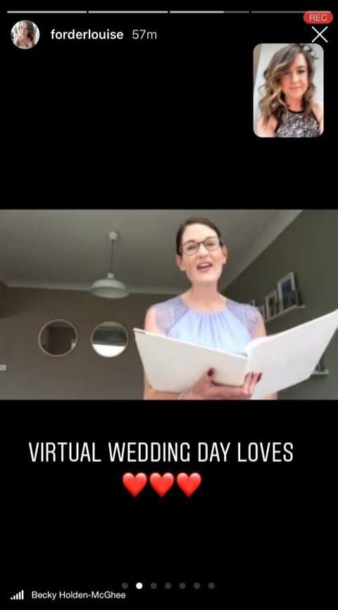 Plugged in wedding | Corona wedding | celebrant Wedding
