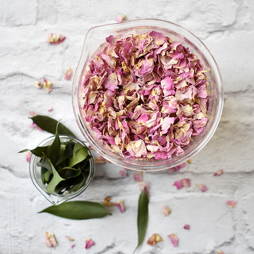 Mixing At The Confetti Bar - Pink Rose & Ruscus Leaf Confetti