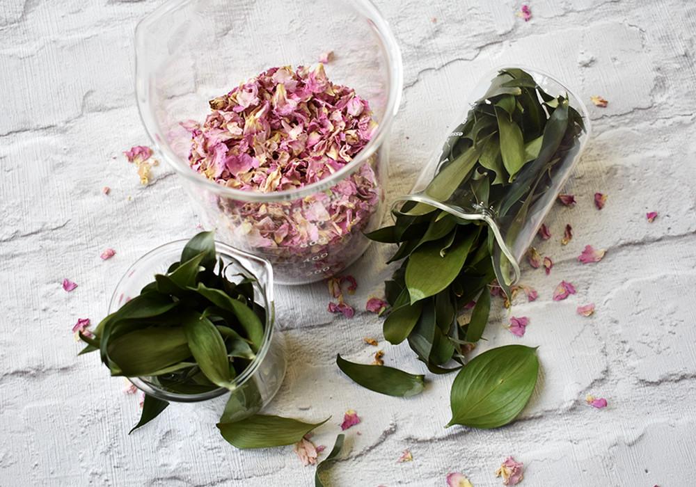 Rose Petal Confetti | Petal Confetti | Leaf Confetti