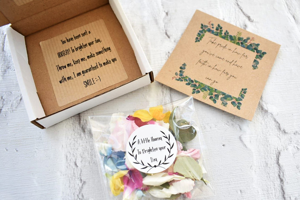 confetti | biodegradable confetti | flowers for delivery in the uk