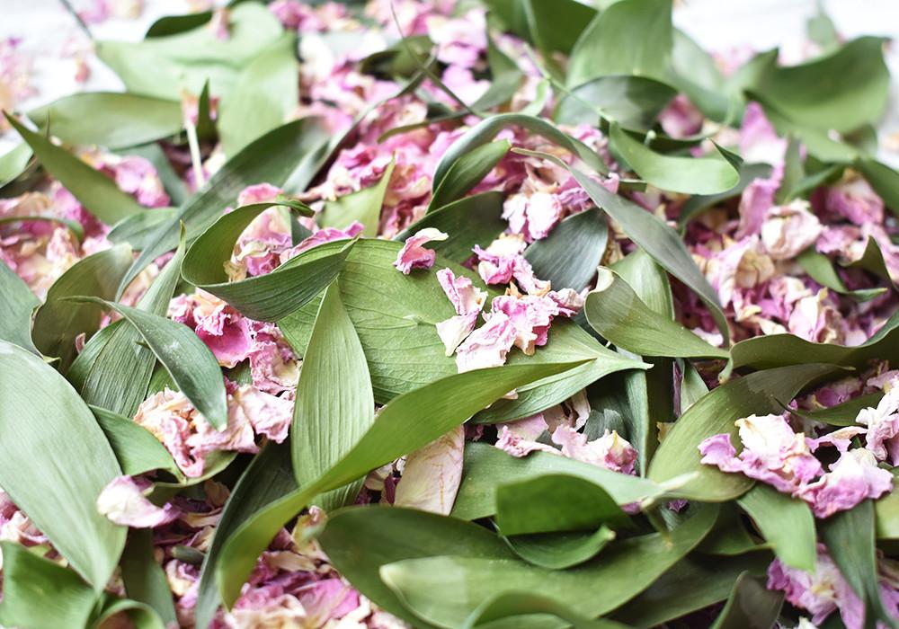 Pink Petal Confetti | Biodegradable Confetti | Leaf Confetti